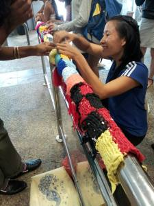 Yarnbombing (1 May)