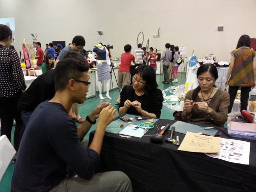 Mini Shoe Workshop in progress at Singapore Mini Maker Faire 2014 (Photo: Barang Shop)