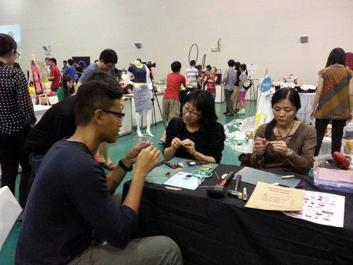 Mini Shoe Workshop in progress at Singapore Mini Maker Faire 2014 (Photo: Barang Shop)